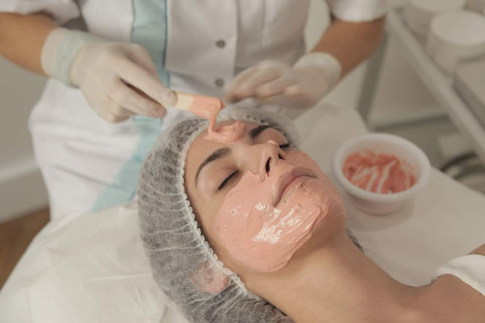 esthetical application masque peeling - Esthétical Paris